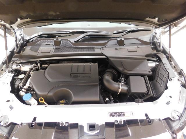 インジ二ウム Si4 2.0リッター4気筒ターボガソリンエンジン。最高出力240ps、最大トルク340N・m(カタログ値)の力強いオールアルミエンジンは、新設された自社工場で生産されています。