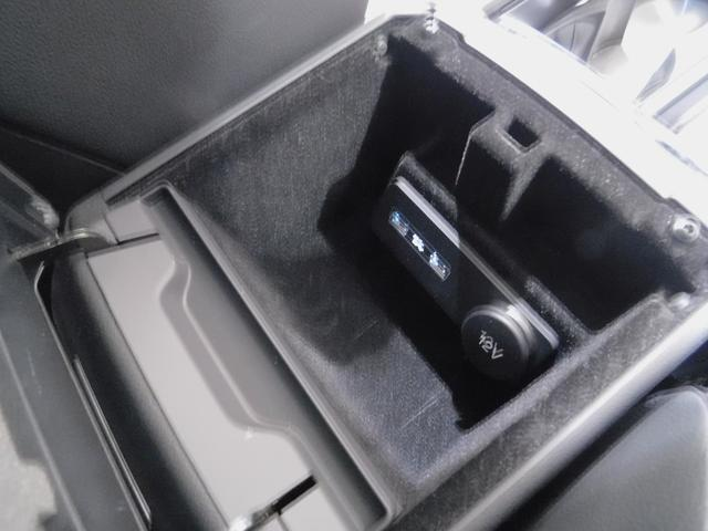 SEプラス Si4 コントラストルーフ ハンズフリーテールゲート プライバシーガラス リヤベント 被害軽減ブレーキ レーンデパーチャワーニング スマートキー 本革シート シートヒーター メリディアンサウンド(39枚目)