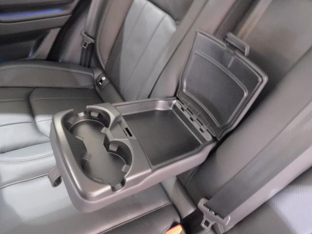 SEプラス Si4 コントラストルーフ ハンズフリーテールゲート プライバシーガラス リヤベント 被害軽減ブレーキ レーンデパーチャワーニング スマートキー 本革シート シートヒーター メリディアンサウンド(63枚目)