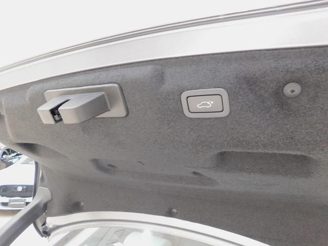 XE S D180 ドライブパック 電動トランク 電動ステアリングコラム 液晶メーター タッチプロデュオ シートメモリー シートヒーター ステアリングヒーター パドルシフト 接触充電(66枚目)