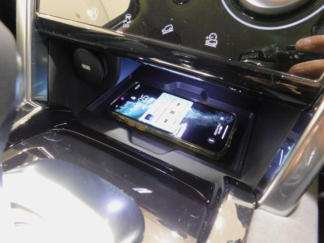 ベースグレード 180PS D180 7人乗 ブラックパック 18インチブラックAW ドライブパック 液晶メーター クリアサイトミラー 接触充電 スマートフォンパック プライバシーガラス 本革・電動シート クリック&ゴー(32枚目)
