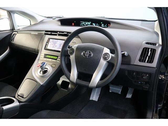機能が充実した運転席は乗る喜びを感じられる快適空間です☆