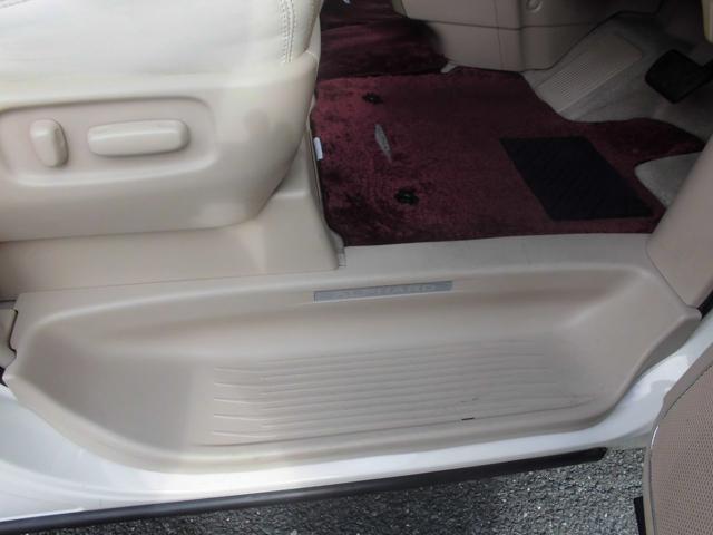 350G プレミアムシートパッケージ プレミアムサウンド システムコンソール 左右パワスラ Wナビ パワーリヤゲート 革シート シートヒーター TVキャンセラー ドラレコ前後 禁煙 買取直販 4WD(40枚目)