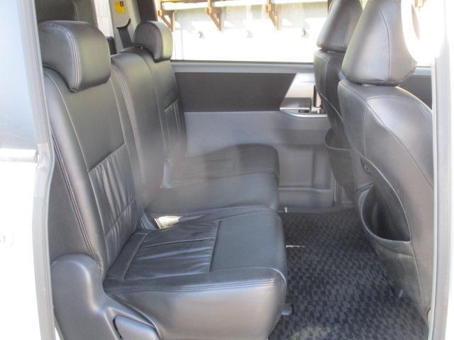トヨタ ヴォクシー ZS 煌II HDDナビ パドルシフト 革調シートカバー