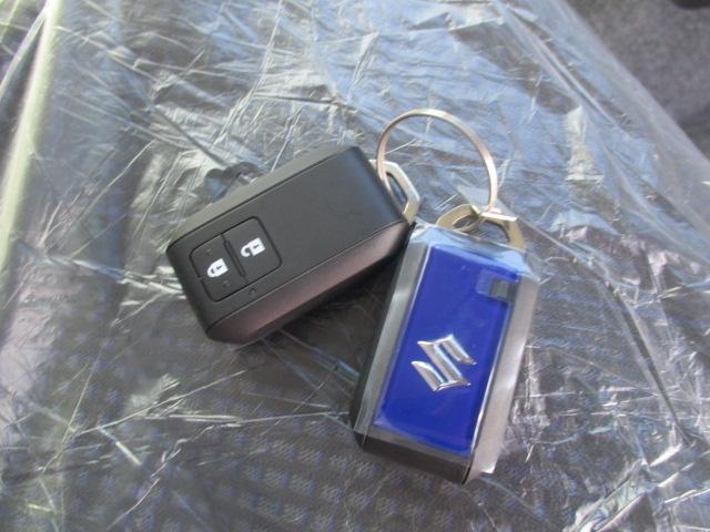 ハイブリッドFZ セーフティパッケージ 登録済未使用車(18枚目)