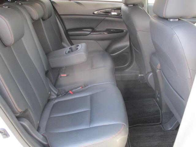 三菱 エクリプスクロス Gプラスパッケージ 4WD サンルーフ 本革シート