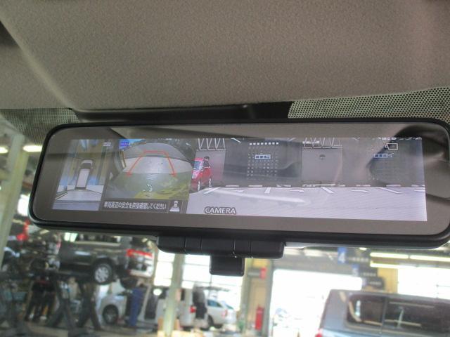 上からの視点で駐車をサポートするマルチアラウンドモニター&軽自動車初のデジタルルームミラー