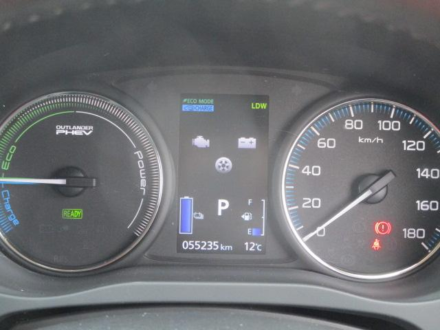 Gナビパッケージ 4WD 100V電源 全方位カメラ 衝突被害軽減システム 電動テールゲート ハーフレザーシート ETC 電動シート(6枚目)