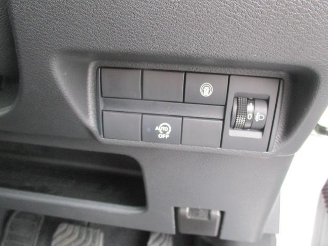 T ターボ 当店社有車 LEDヘッドライト コーナーセンサー 衝突被害軽減システム シートヒーター(8枚目)