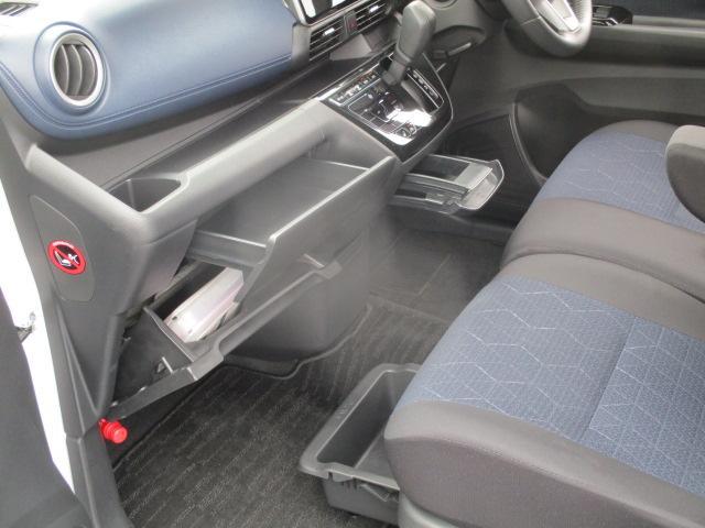 T ターボ 当店社有車 LEDヘッドライト コーナーセンサー 衝突被害軽減システム シートヒーター(9枚目)
