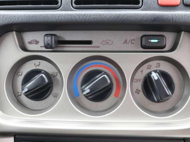 エアコンはマニュアルです。シンプルかつ操作が簡単です!