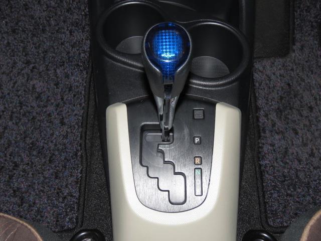 トヨタ アクア G オートエアコン パワーウィンドウ メモリーナビ ワンセグ