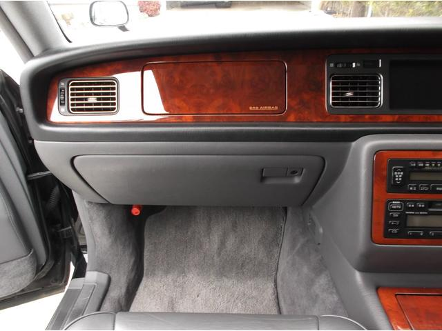 標準仕様車 デュアルEMVパッケージ レザーシート(11枚目)