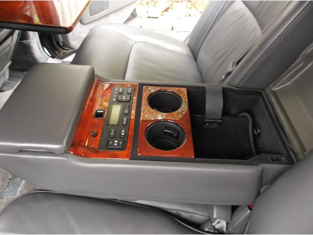 標準仕様車 デュアルEMVパッケージ レザーシート(13枚目)