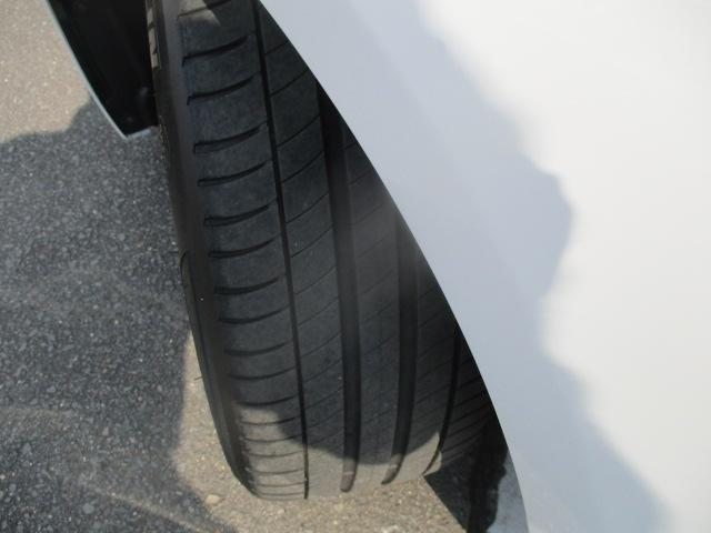 320iラグジュアリー D車 ターボ 1オーナー 走行45930キロ 17アルミ リアスモーク LEDライト フォグ 黒革シート パワーシート&シートヒーター クルコン HDDナビBモニETC アイドリングストップ 保証付(29枚目)