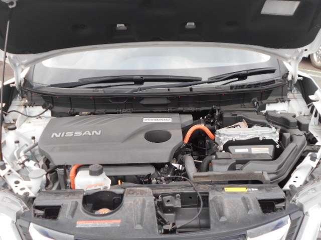 独自の「1モーター2クラッチ方式」、リーフで培ったリチウムイオンバッテリー技術。日産テクノロジーの総力を結集したハイブリッドシステム。