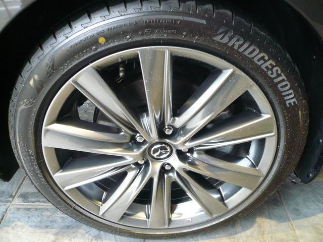 純正サイズ225/45R19 タイヤは2019年製 ブリヂストン TURANZA T005A 残り溝は7ミリ程度です。