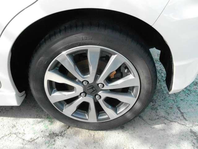 ホンダ フィットハイブリッド HYBRID RS
