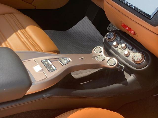 「フェラーリ」「フェラーリ カリフォルニア」「オープンカー」「愛知県」の中古車44
