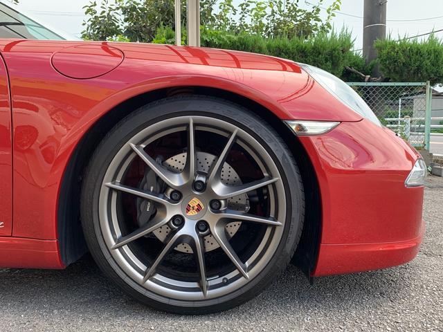 911カレラ スポーツデザインバンパー&ステアリング&スポーツプラス20インチカレラSオールレザーインテリアなどオプション付(11枚目)