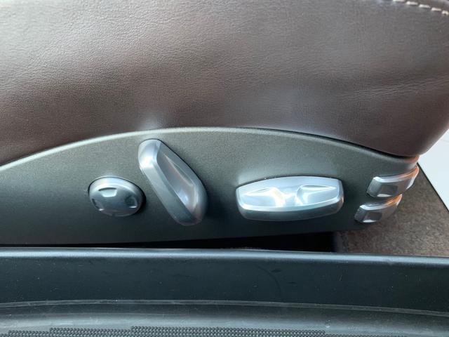 S ポルシェセンターにてリビルトエンジンAssy交換実施 正規ディーラー車  オールレザーインテリア 本物997ターボ19AW レッドキャリパースポーツクロノPKGバルブ切替スポーツモード シートヒーター(33枚目)