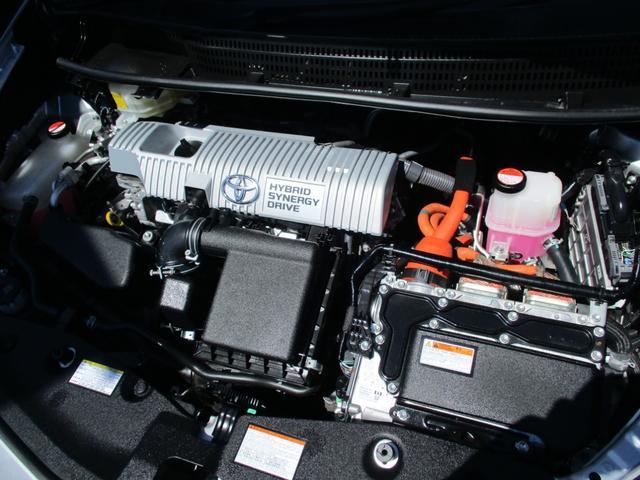 エンジンルームもキレイにクリーニング済みになっております!愛知県下30カ所にサービス工場ございます!定期点検・オイル交換・保証修理などお近くの工場で受けられます!