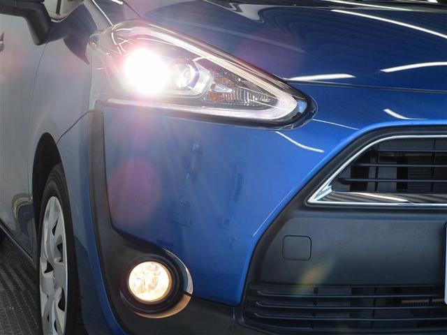 消費電力が少なく、寿命の長いLEDヘッドライトになっております☆プロジェクターにより光が安定し、前方を照らしてくれますので視認性良いです☆