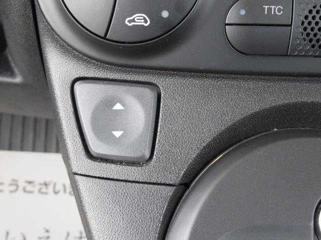 コンペティツィオーネ ディーラー車 右ハンドル メモリーナビ キーレス クリアランスソナー バックモニター パドルシフト Bluetoothオーディオ 純正AW オートAC(44枚目)
