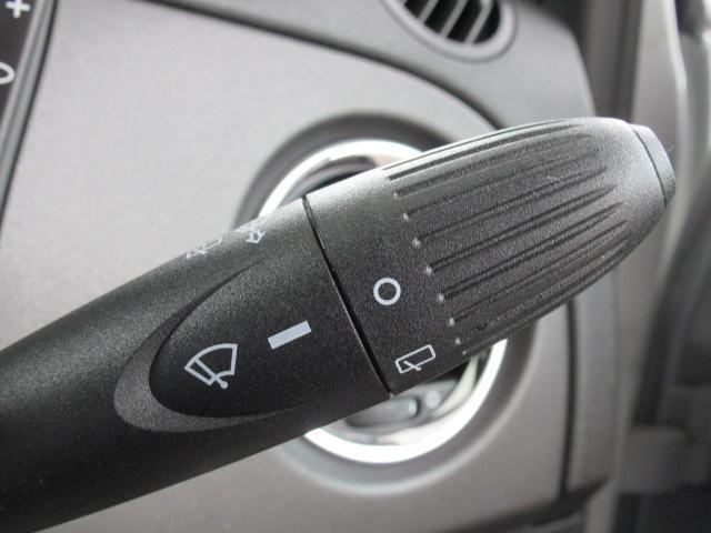 コンペティツィオーネ ディーラー車 右ハンドル メモリーナビ キーレス クリアランスソナー バックモニター パドルシフト Bluetoothオーディオ 純正AW オートAC(52枚目)