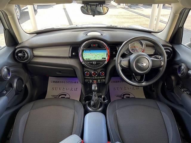クーパーD 純正HDDナビ コンフォートアクセス ペッパーPKG ETC車載器 Bluetooth AUX/USB OP17inアルミ LEDヘッドライト プッシュスタート オートエアコン(3枚目)