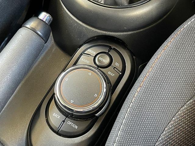 クーパーD 純正HDDナビ コンフォートアクセス ペッパーPKG ETC車載器 Bluetooth AUX/USB OP17inアルミ LEDヘッドライト プッシュスタート オートエアコン(36枚目)