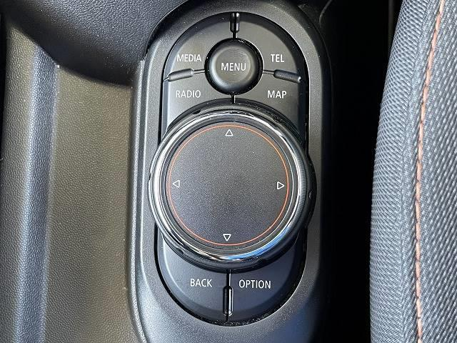 クーパーD 純正HDDナビ Bluetooth USB/AUX端子 ETC車載器 LEDヘッド プッシュスタート オートエアコン 禁煙車 純正アルミ アイドリングストップ(10枚目)