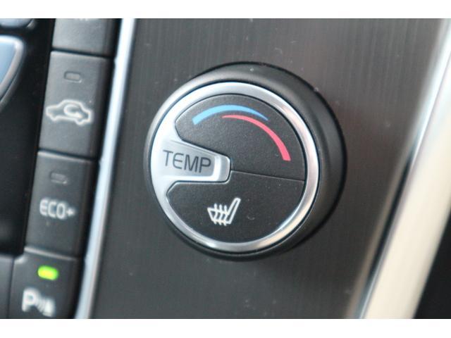 ボルボ ボルボ XC60 T5 SE 自動ブレーキ レーンキープ BLIS 黒革