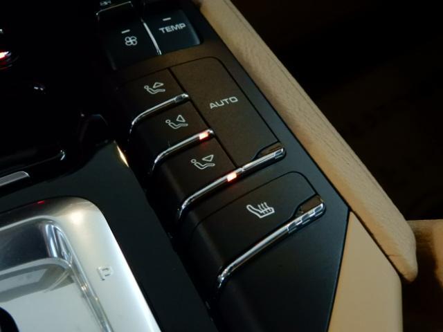 S 4WD サンルーフ ナビTV 電動Rゲート パークソナー(12枚目)