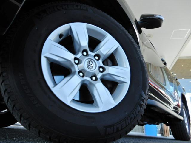 タイヤなどの消耗品・ナビなどのカー用品・マフラーなどのパーツ・板金塗装・任意保険までトータルで安心のカーライフをお約束!!