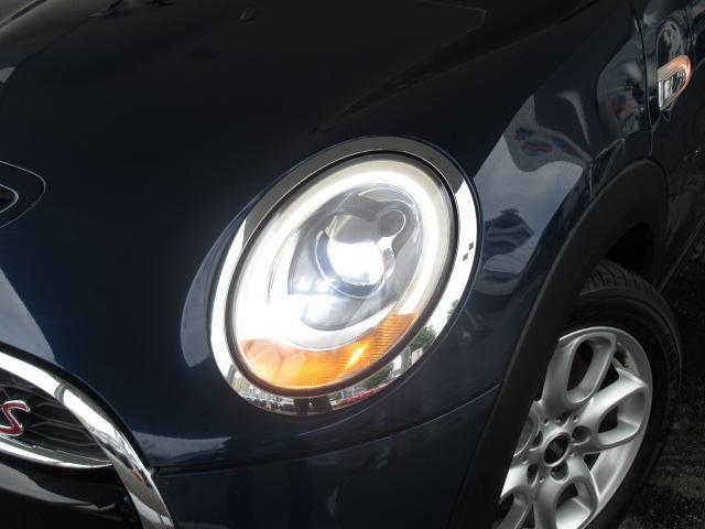 クーパーS 純正ナビ バックカメラ ETC アームレスト オートライト スマートキー レインセンサー 純正AW LEDヘッド(19枚目)