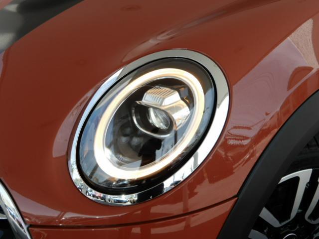 クーパーSD 3ドア 後期 純正HDDナビ インテリジェントセーフティ レーダークルーズ スマートキー ETC車載器 LEDヘッド(19枚目)