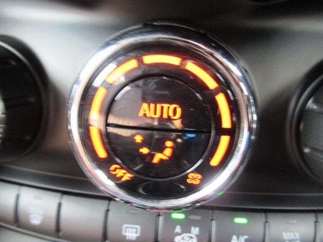 クーパー 1オーナー 純正HDDナビ ドライビングモード シートカバー オートエアコン MTモード ETC LEDヘッド(9枚目)