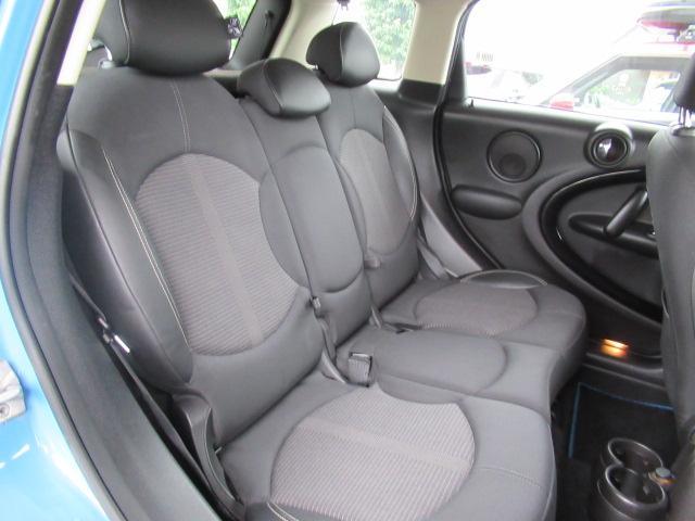 クーパーSD クロスオーバーマリン 特別仕様車 クルーズコントロール 専用ハーフレザーシート パドルシフト ETC車載器 AUX接続 キーレス(6枚目)