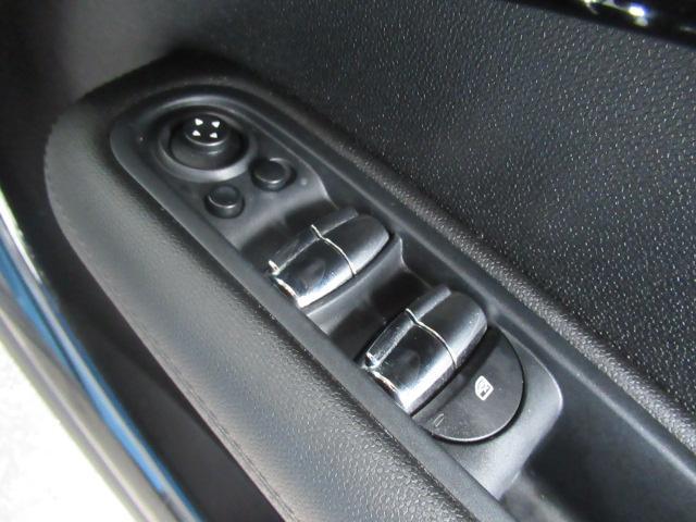 クーパーSD クロスオーバーマリン 特別仕様車 クルーズコントロール 専用ハーフレザーシート パドルシフト ETC車載器 AUX接続 キーレス(40枚目)