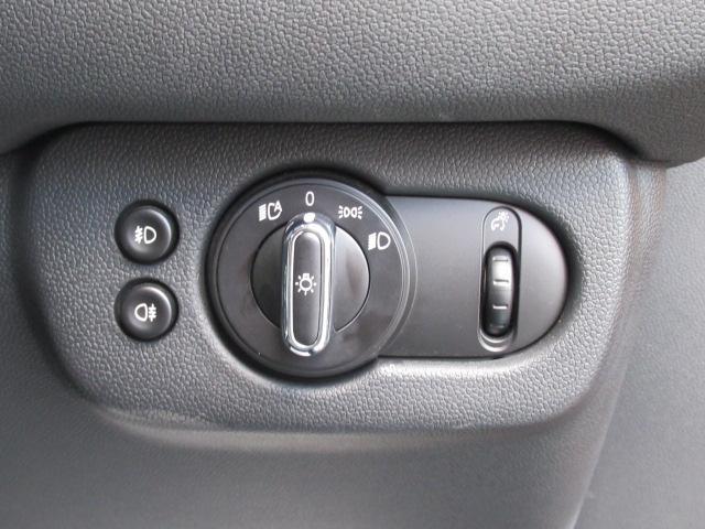 クーパー クラブマン 純正HDDナビ バックカメラ 地デジチューナー クルーズコントロール コンフォートアクセス レインセンサー バックソナー ETC車載器 オートライト オートエアコン(8枚目)