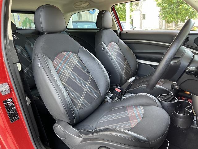 クーパー ペースマン ミントPKG ハーフレザー シートヒーター ブラックインナーHID ETC車載器 純正オプションアルミ キーレス プッシュスタート オートエアコン オートライト 熱線付きフロントガラス 禁煙車(11枚目)