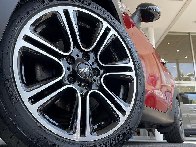 クーパー ペースマン ミントPKG ハーフレザー シートヒーター ブラックインナーHID ETC車載器 純正オプションアルミ キーレス プッシュスタート オートエアコン オートライト 熱線付きフロントガラス 禁煙車(16枚目)