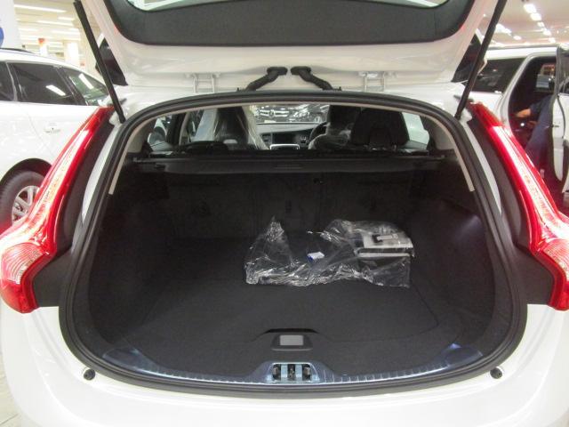 ボルボ ボルボ V60 D4 SE HDDナビ インテリセーフ 革シート