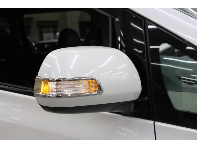 ウィンカー付ドアミラーを装備しています。周囲からの視認性に優れ、安全につながります。