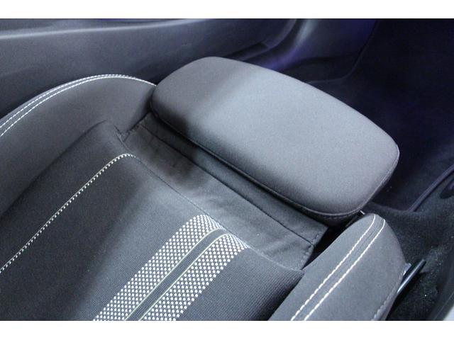 ドライバーの体にぴったりなポジション設定ができます。