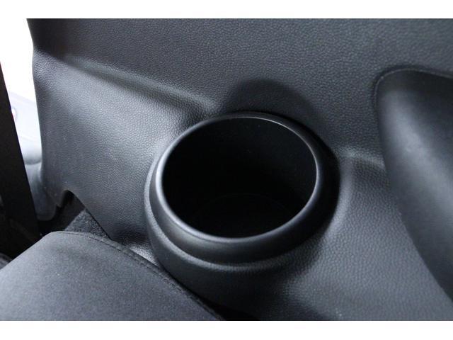 エンジンやトランスミッションなど保証対象箇所に不具合が生じた場合にも、車両をご購入いただいてから1年間、走行距離にかかわらず無償で修理いたします。