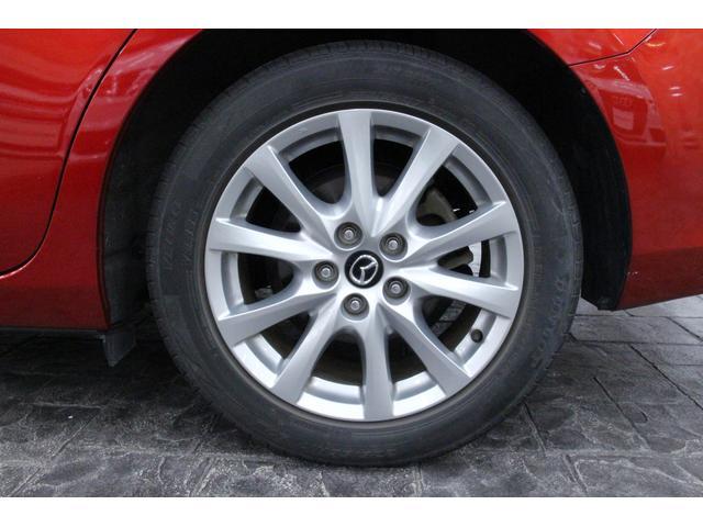 タイヤサイズは、225/55R17です。