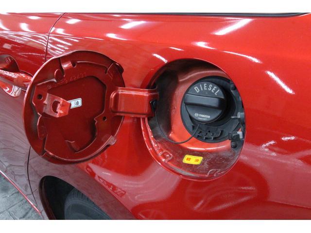 使用燃料は軽油専用、タンク容量は62Lです。