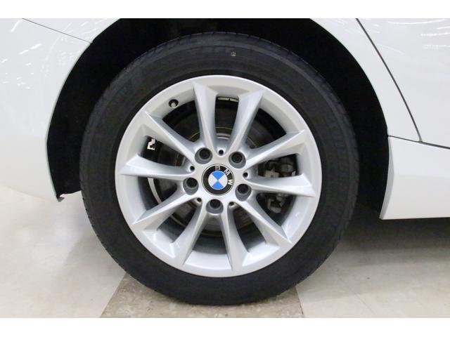 タイヤサイズはフロント、リア共に205/55R16